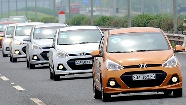 Number of imported cars into Vietnam increased by 25 times in March