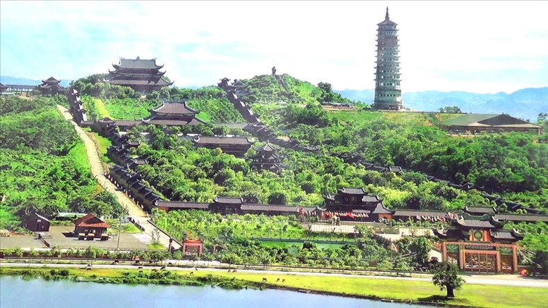Seeking inner peace in Bai Dinh temple, the largest in Viet Nam