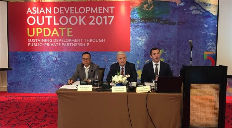 Viet Nam's economic growth at 6.3 per cent in 2017, forecasts ADB