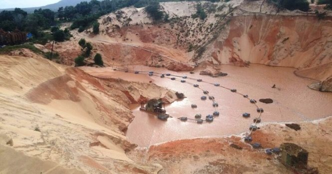 """Titanium Mining: Binh Thuan at risk of """"dying of thirst"""""""