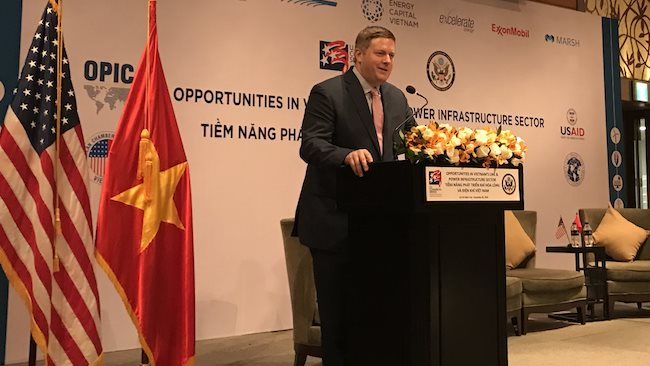 U.S. engages industry leaders on liquefied natural gas cooperation with Vietnam