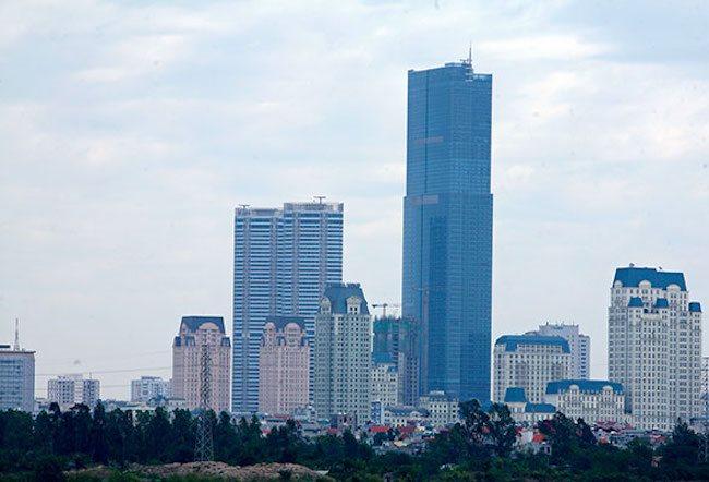 """The tallest hotel in Vietnam finds """"exit door"""""""