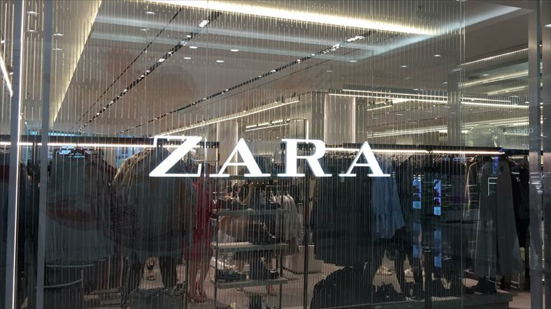 The world's largest fashion retailer Zara opens its first store in Hanoi