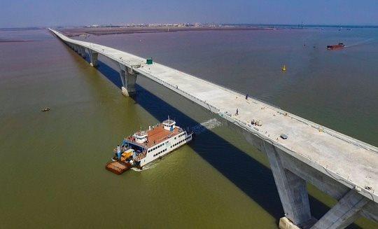 "Tan Vu – Lach Huyen Bridge: ""The faults blamed on lenient supervision"""