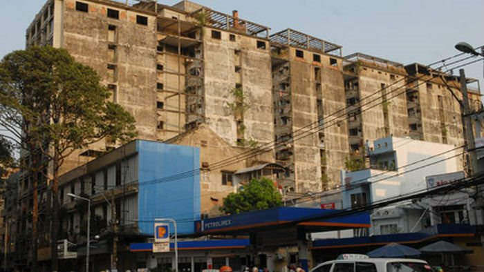 Hundreds of run-down buildings inspected to rebuild in HoChiMinh City