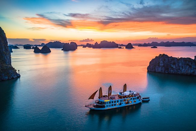 Increasing sightseeing fees on Halong Bay: An unreasonable proposal