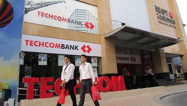 Techcombank vies for revenue with VPBank to climb up top five profitable banks