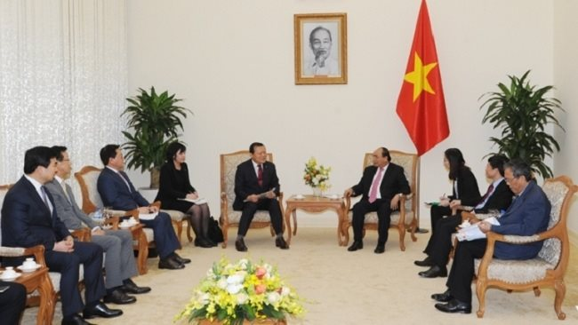 Lotte promises to raise investment in Vietnam