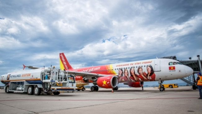 A 'headache' of the Vietjet Air's billionaire