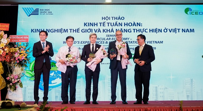 URC Vietnam's people joint effort to raise environment protection awareness 2